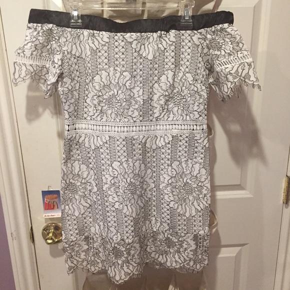 Forever 21 Dresses & Skirts - Floral off the shoulder dress NWT